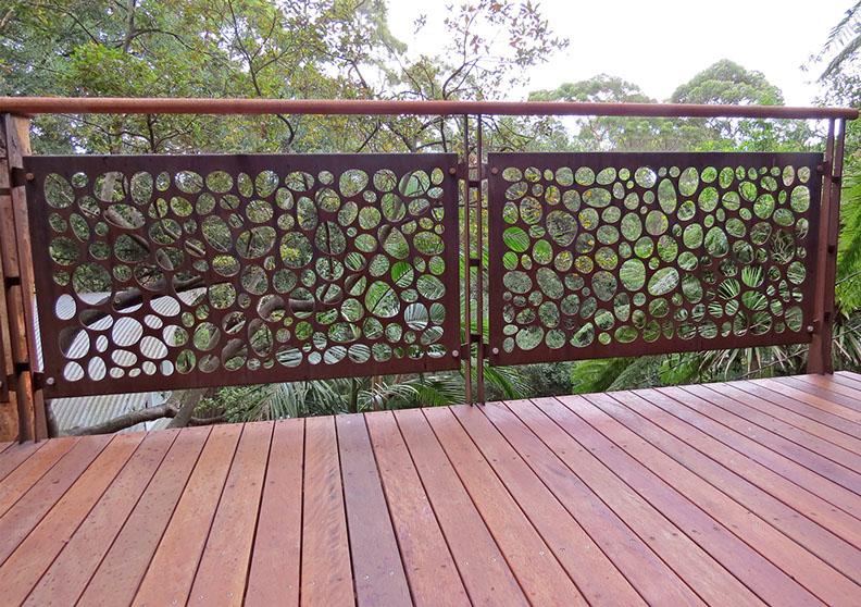 River stones – weathering steel
